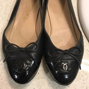 CHANEL Shoes - Chanel Black Ballet Flats (Ballerines) 37